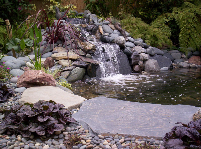 Water features ponds waterfalls lake country kelowna for Waterfall features for ponds
